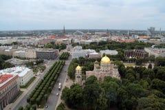 Stadtbild alter Stadt Rigas von oben Foto im Juli gemacht Stockfoto