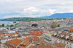 Stadtbild-Ansicht und Küstenlinie von Genfersee, die Schweiz Lizenzfreies Stockfoto