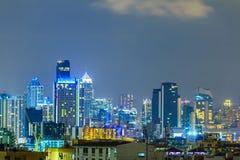 Stadtbild auf schöner Nacht Stockbilder