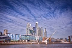 Stadtbild Buenos Aires Puerto Madero lizenzfreie stockbilder