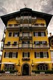 Stadtbild Cortina dAmpezzo, Italien Lizenzfreie Stockfotos