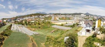 Stadtbild der DA-Latstadt im Sommer in Vietnam stockfotos