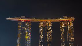 Stadtbild der Zeit Singapur-Skyline in der Dämmerung Marina Bay ist eine Bucht, die im zentralen Bereich von Singapur gelegen ist Lizenzfreie Stockbilder