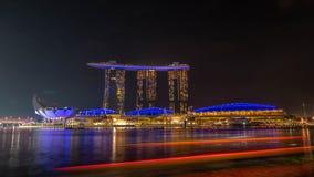 Stadtbild der Zeit Singapur-Skyline in der Dämmerung Marina Bay ist eine Bucht, die im zentralen Bereich von Singapur gelegen ist Stockfotografie