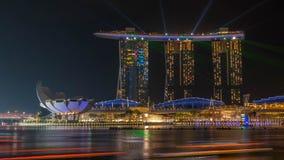 Stadtbild der Zeit Singapur-Skyline in der Dämmerung Marina Bay ist eine Bucht, die im zentralen Bereich von Singapur gelegen ist Lizenzfreies Stockfoto