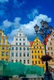 Stadtbild des alten Stadtbreslaus Marktplatzes mit bunten aufwändigen historischen Gebäuden lizenzfreie stockfotos