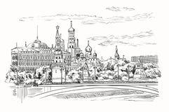 Stadtbild des Dammes von Kreml-Türmen und -brücke über Moskau-Fluss Rotem Platz, Moskau, Russland lokalisierte Vektorhandzeichnun stockfoto