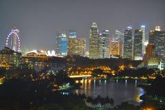 Stadtbild durch Kallang Basin Lizenzfreie Stockfotos