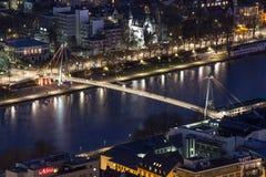 Stadtbild Frankfurts am Main Deutschland nachts Lizenzfreies Stockbild