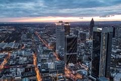 Stadtbild Frankfurts am Main Deutschland nachts Stockfoto