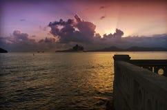 Stadtbild-purpurroter Himmel - Santos - Brasilien Lizenzfreies Stockbild