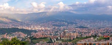 Stadtbild- und Panoramaansicht von Medellin, Kolumbien Medellin ist die zweitgrösste Stadt in Kolumbien stockbild
