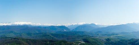 Stadtbild vom Berg Akhun des Kaukasus, Sochi, Russland Lizenzfreies Stockfoto