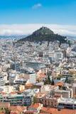 Stadtbild von Athen mit Lycabettus-Hügel Lizenzfreies Stockfoto
