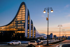 Stadtbild von Baku bei Sonnenuntergang Lizenzfreie Stockfotos