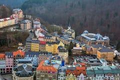Stadtbild von Karlovy Vary, Tschechische Republik lizenzfreie stockfotografie