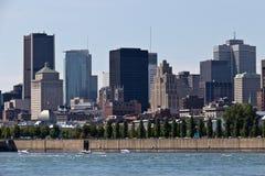 Stadtbild von Montreal, Kanada, wie vom St. Lawrence Rive gesehen Lizenzfreie Stockfotografie