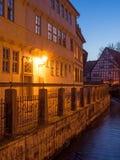 Stadtbild von Quedlinburg an der blauen Stunde lizenzfreies stockfoto