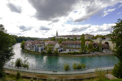 Stadtbildansicht der Stadt und des Flusses Aare Lizenzfreies Stockbild