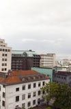 Stadtbilddachspitzenansichtbürogebäudewohnungs-Eigentumswohnungen busin Lizenzfreie Stockfotografie