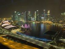 Stadtbilder von Singapur-Flieger nachts lizenzfreies stockbild