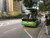 Stadtbus in Macao im Stadtzentrum gelegen Lizenzfreie Stockbilder