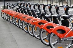 Stadtfahrräder für Miete Stockfoto
