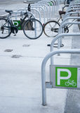 Fahrradparken Stockbild