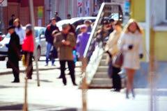 Stadtfußgänger auf der Straße Stockfotos