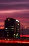 Stadtgebäude im Sonnenuntergang Stockfotografie