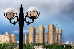 Stadtgebäude von Astana im Hintergrund lizenzfreie stockfotos