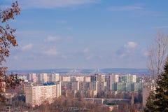 Stadtgebiet von Budapest-Stadt mit bunten Wohnhäusern lizenzfreies stockfoto