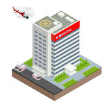 Stadtkrankenhausgebäude mit Krankenwagenauto und -hubschrauber im flachen Design Isometrische Vektor-Illustration Stockfotos