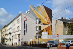 Stadtlandschaft von den Graffiti auf dem Gebäude Polen, Lodz Stockfotografie