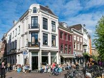 Stadtleben Utrechts Oudegracht, die Niederlande Stockfotos