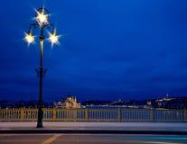 Stadtlichter auf Margaret-Brücke in Budapest Stockbild