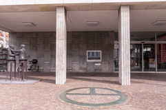 Stadtlogo am Gaggenau-Rathaus, Deutschland lizenzfreie stockbilder