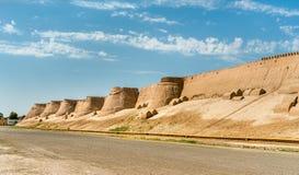 Stadtmauern der alten Stadt von Ichan Kala in Khiva, Usbekistan stockfotografie
