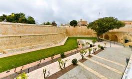 Stadtmauern von Mdina, Malta stockfotografie