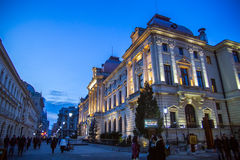 Stadtnachtszene Bukarests alte Lizenzfreie Stockfotos
