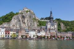 Stadtod Dinant auf dem Fluss Maas Lizenzfreies Stockfoto
