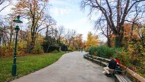Stadtpark,维也纳奥地利在秋天 免版税库存图片