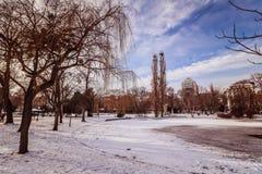 `-Stadtpark ` staden Central Park av Wien Royaltyfri Bild