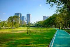 Stadtpark an Vachira Benchathat Park u. an x28; Fäule Fai Park u. x29; Lizenzfreies Stockbild