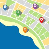 Stadtplan einer eingebildeten Stadt mit Meer und fünf Stiften Stockbild