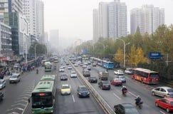 Stadtstraße in Wuhan stockbild