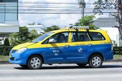 Stadttaxi Meter chiangmai, Toyota Innova Stockfotografie