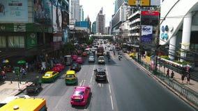 Stadtverkehr auf Straßen, Staus stock video footage
