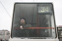 Stadtverkehr im Winter Stockbilder