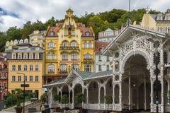 Stadtzentrum von Karlovy Vary, Tschechische Republik lizenzfreie stockfotos